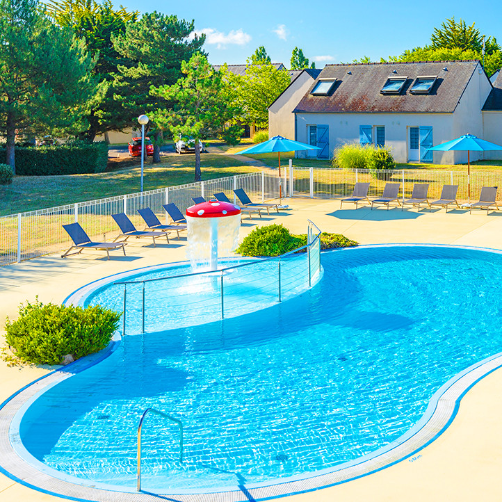 village vacances piscine kerjouanno